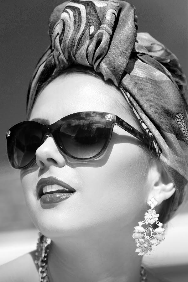 Marta by Alistair Cowin - People Fashion