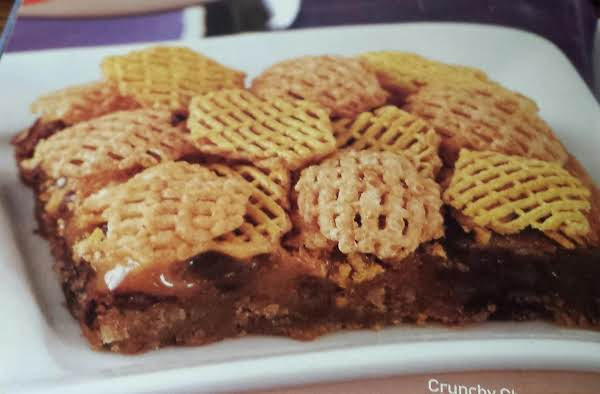 Crunchy Chocolate Chip Caramel Bars