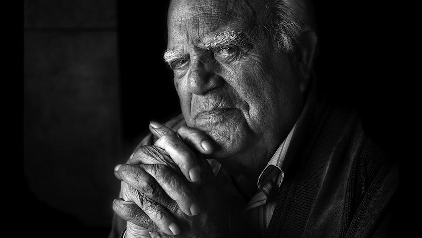 Eduardo Fajardo en un retrato reciente del fotógrafo almeriense Rodrigo Valero.