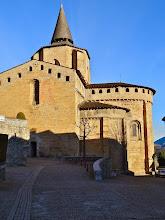 Photo: Ozdobou vesnice Saint-Savin, ve které jsme byli ubytovaní, byl krásný románský kostel.