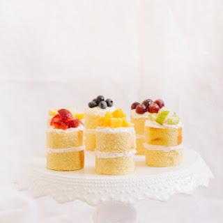 Eats // Mini Rainbow Cakes