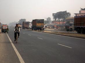 Photo: Linksverkehr in Indien ist nur eine Empfehlung!!!