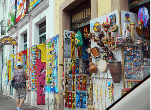 souvenir-shops.jpg - Stores with handmade crafts line the streets of the historic district.