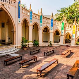 Waiting for the faithful by Hariharan Venkatakrishnan - Buildings & Architecture Places of Worship