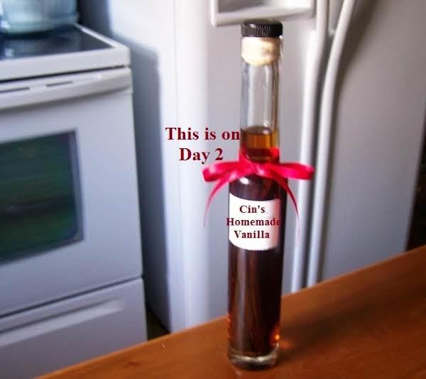 Cin's Homemade Extracts (Vanilla, Cinnamon and Cinnamon-Nutmeg) image
