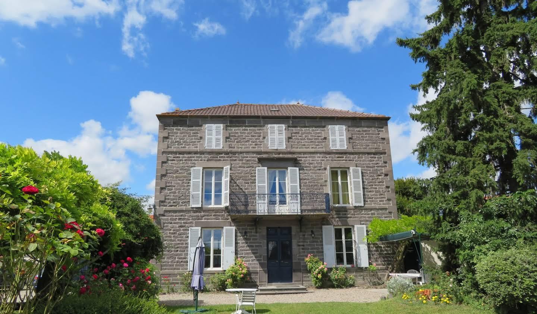 Maison avec piscine et jardin Martres-sur-Morge