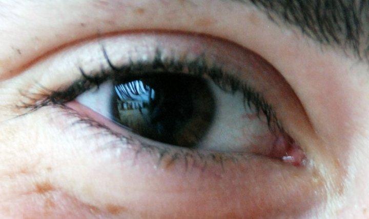 riflesso attraverso l'occhio di mbclik