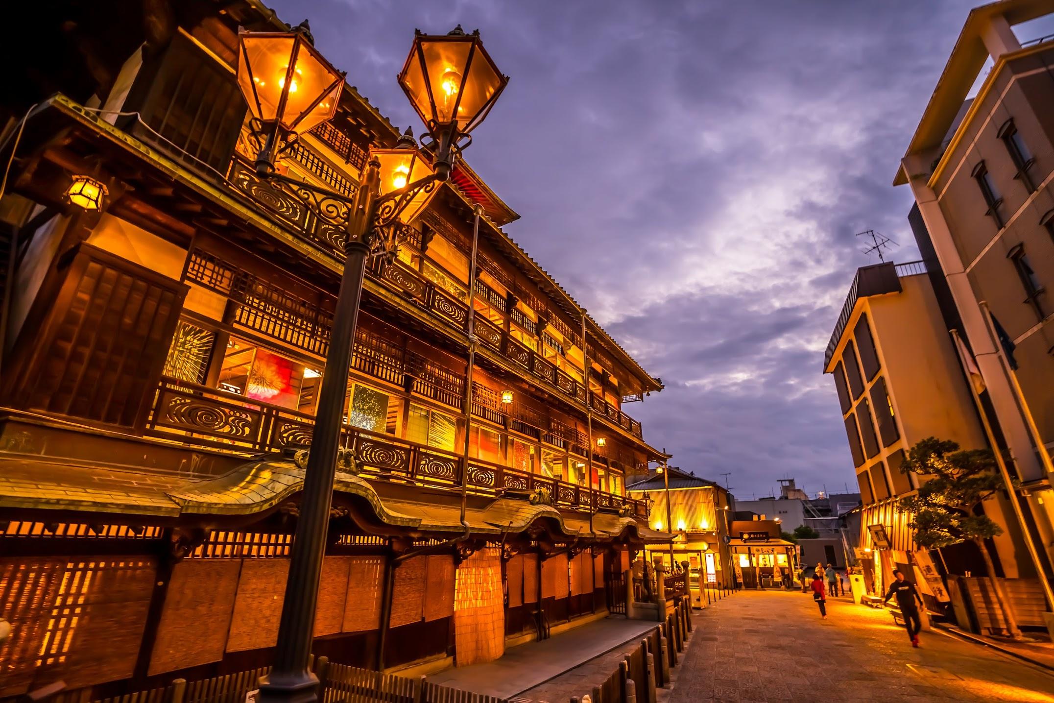 Dogo Onsen Honkan Evening3