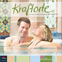 Ein Paar liegt entspannt in einem Becken des Palais Thermal in Bad Wildbad