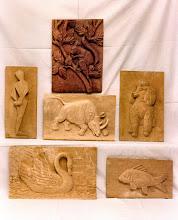 Photo: Trabajos realizados (exceptuando ardilla) por alumnos del colegio Benito Pérez Galdós de Móstoles, donde Serapio estuvo algún tiempo dando clases. || Talla en madera. Woodcarving.   Puedes conocer más de este artista en el blog: http://tallaenmadera-woodcarving-esculturas.blogspot.com/