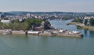"""Photo: Das """"Deutsche Eck"""": Zusammenfluss von Mosel und Rhein"""