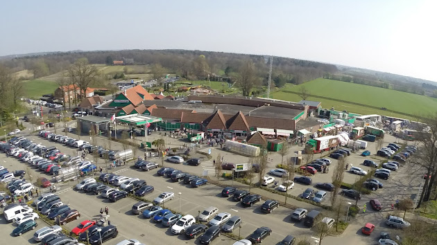 Ter huurne holland markt google for 4 holland terrace needham ma