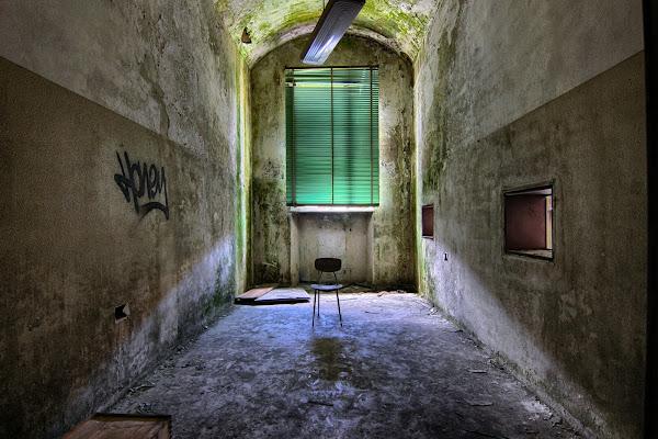 An empty chair di cberetta