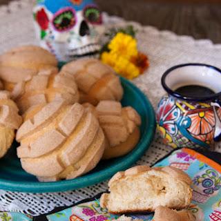 Conchas / Pan Dulce / Pan de Huevo.