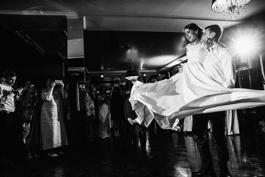 Wedding photographer Artem Vindrievskiy (vindrievsky). Photo of 30.08.2016
