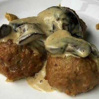Mozzarella Stuffed Turkey Meatballs.