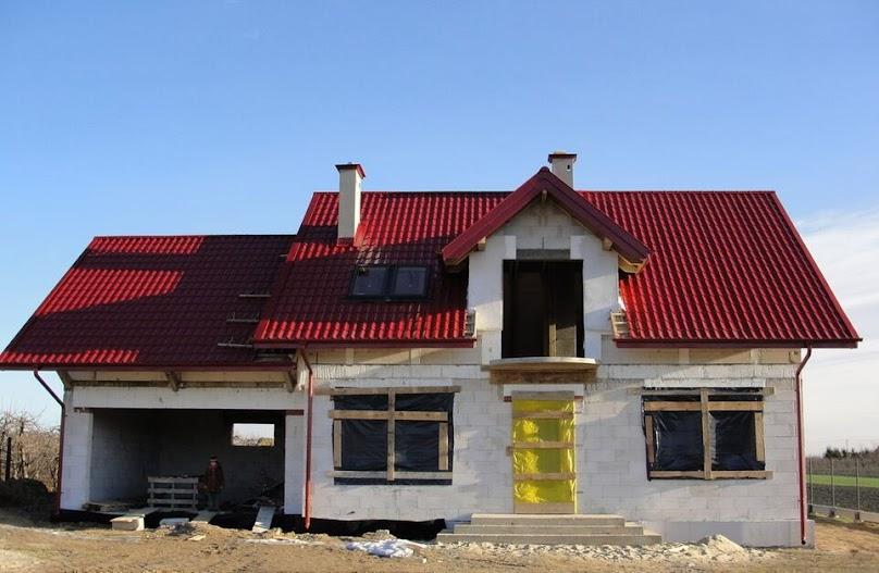 Dom z garażem czy bez? Pytania o zmiany w projektach domów