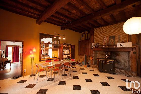 Vente propriété 40 pièces 1950 m2