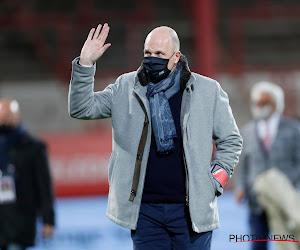 """Philippe Clement rekent zich nog geen kampioen: """"Als we zo'n eerste helft spelen in play-offs, komen we niet meer terug"""""""