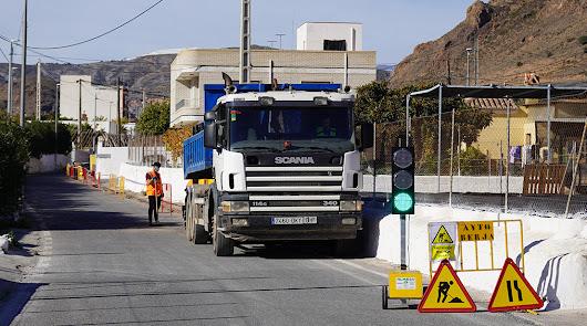 Arrancan en Berja las obras de mejora del abastecimiento de agua en Peñarrodada