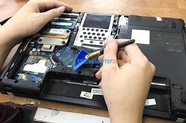 cách vệ sinh laptop 3