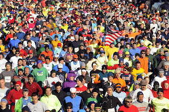 Photo: MANCHESTER 11/28/13  The crowd at the start of the 2013 Manchester Road Race. (MRR Photo by John Long)