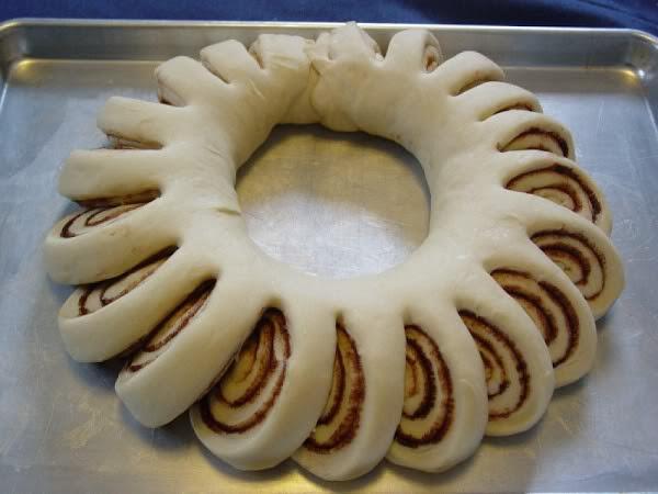 Cinnamon Wreath Bread Recipe
