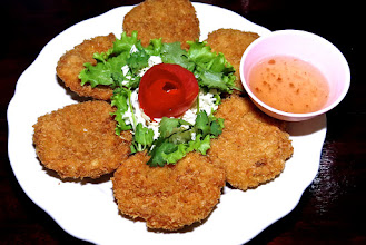 Photo: crisp-fried shrimp cakes with plum sauce, Nong Ma Resorti on Hat Sai Ree