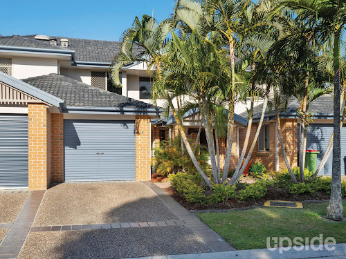 Photo of property at 2/3 Bronberg Court, Southport 4215