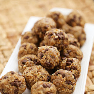 Chocolate Chip Peanut Butter Granola Bites