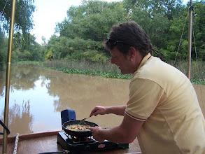Photo: Cocinando en el barco