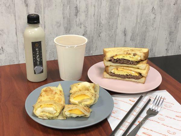 好口福早午餐,喜歡花生牛肉法式吐司,小農鮮奶茶(捷運行天宮站)