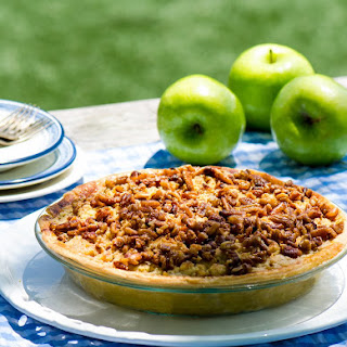Pecan Apple Crumble Pie
