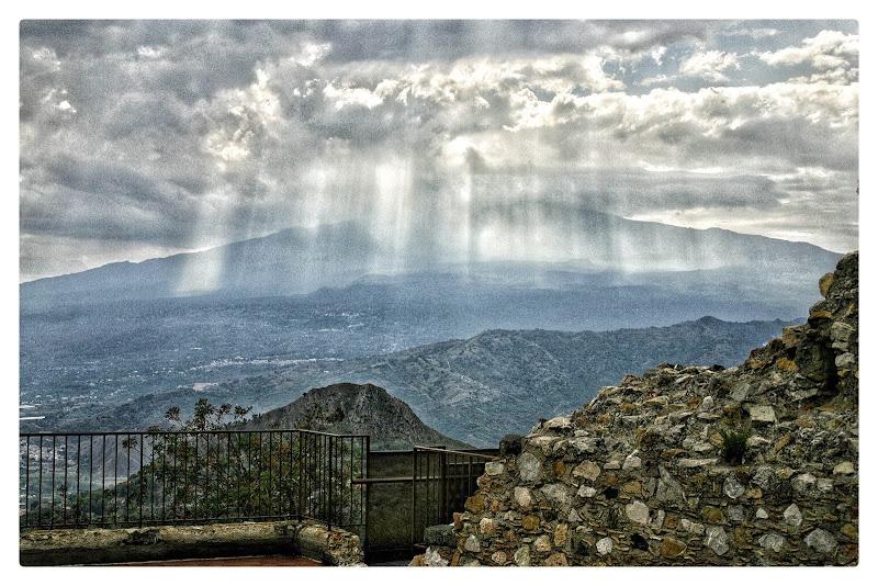 Il paesaggio di Castelmola di arcagraphy