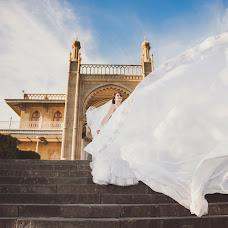 Wedding photographer Aleksandr Bogomazov (AlexanderSimf777). Photo of 11.01.2017