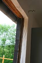 Photo: Die alte Balkontür wird ausgetauscht.