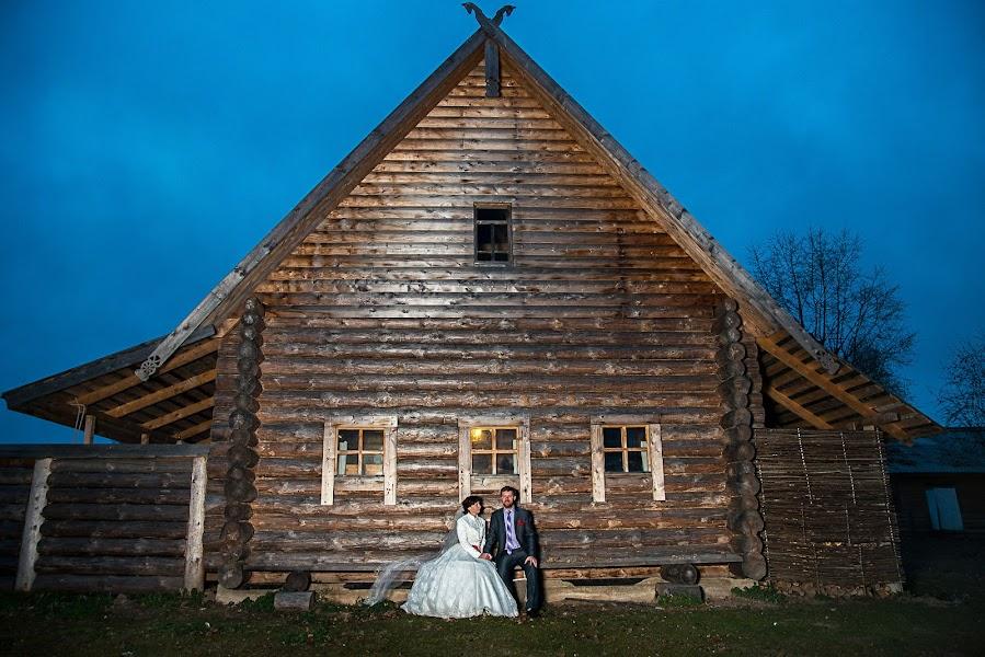 Wedding photographer Petr Gutorov (petergutorov). Photo of 18.03.2017