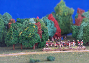 Photo: Fanteria leggera inglese si addentra nel bosco.Miniature Baccus, materiale scenico autocostruito.