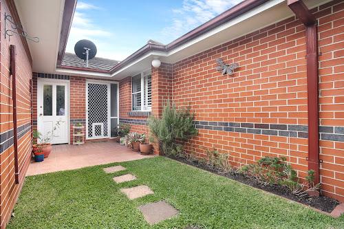 Photo of property at 4/45 Rocklea Crescent, Sylvania 2224