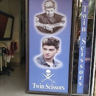 Twin Scissor photo 2