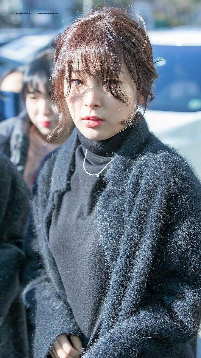 korea-korean-kpop-idol-girl-group-band-red-velvet-seulgis-messy-updo-easy-updos-bun-hairstyles-for-girls-curly-wavy-hair-natural-bun-kpopstuff