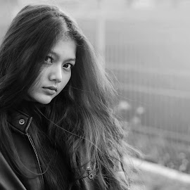 dont look back by Kawan Santoso - Black & White Portraits & People (  )
