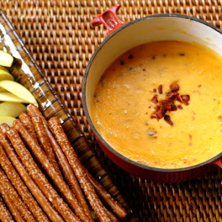 Bubbling Beer and Bacon Cheese Dip Recipe