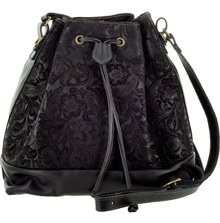 Säckväska mocka/skinn svart med blommigt foder
