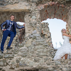 Wedding photographer Alex Balint (alexhomestudio). Photo of 19.11.2015