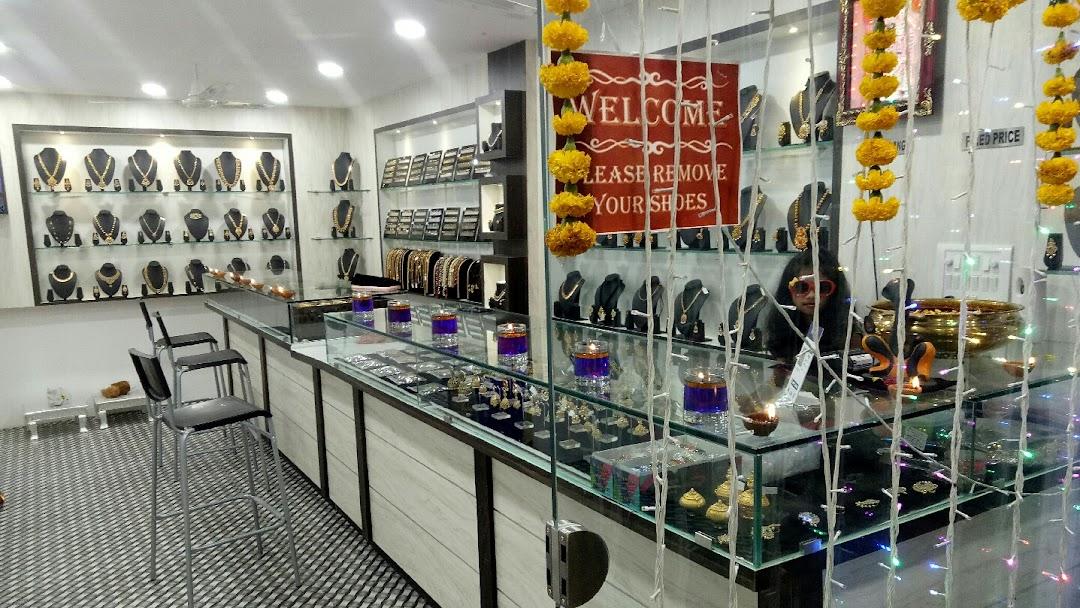 Maanvi Imitation Jewellery Jewellery Store In Kompally