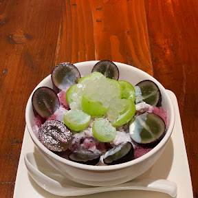 【極上グルメ】新宿の中心で台湾スイーツを食べる / 騒豆花の「シャインマスカットと巨峰の豆花」が魅惑的にオイシイ件
