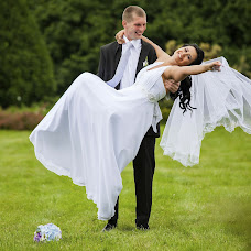 Wedding photographer Viktoriya Kosareva (Kosarevavita). Photo of 07.08.2013