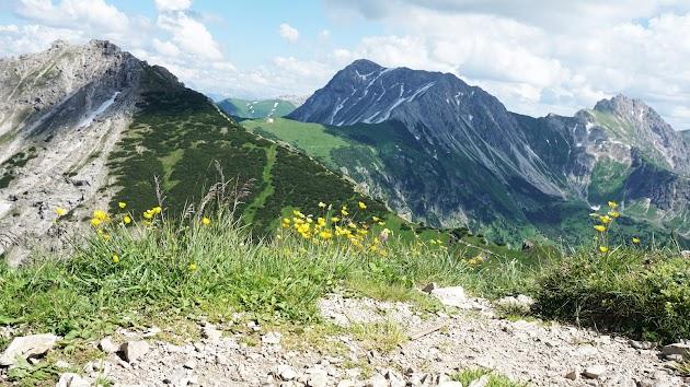 Vom Bschießer Bayern oder Bscheißer Tirol zeigen sichPonten, Gaishorn und Rauhhorn