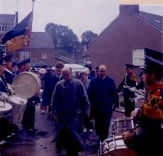 """Photo: Terugkeer pater Deliege - 1966 Pater Deliege keert terug naar het kerkdorp na zijn """"Missie"""""""